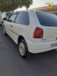 2004 Volkswagen Gol · Hatchback