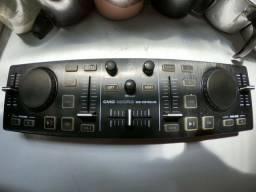 Controladora DJ Behringer CMD Micro R$ 350