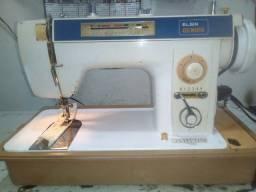 Vendo máquina de costura Elgin