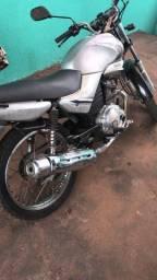 Moto YBR leilão