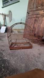 Vende-se uma gaiola de passarinho