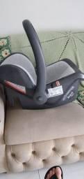 Bebê conforto novo.mas falta forro