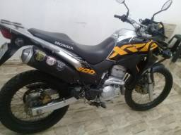 Xre 300 adventure com freios ABS