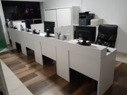 Mesas tipo call center com 5 baias