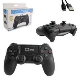 Controle Play 4 com fio preto Lotus lt-ct013 com cabo USB incluso