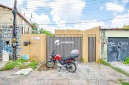 Casa para aluguel, 2 quartos, 1 suíte, 1 vaga, Cidade dos Funcionários - Fortaleza/CE
