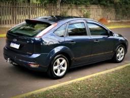 Ford Focus Hatch GL 1.6 16V Flex Completo + Aceito troca por automático de maior valor!