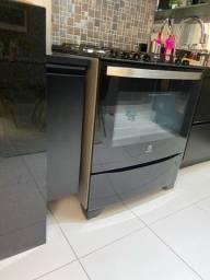 Vendo Fogão 5 Bocas Electrolux Prata Automático com Mesa de Vidro e Food Sensor (76GRS)