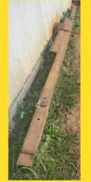 Balancinha descarregar ferragem e três correntes