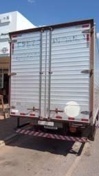 Caminhão 8 140