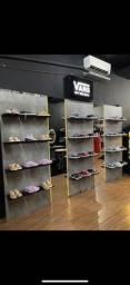 Expositor para calçados em mdf com espelhos