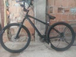 Bicicleta aro 29 freios a disco