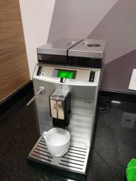 Cafeteira Automática Saeco Lirika Plus com Display Gráfico - Prata<br><br>