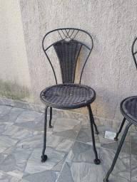 Duas Cadeira em Ferro Fundido