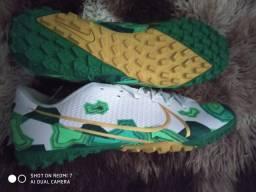 Chuteira Nike número 41