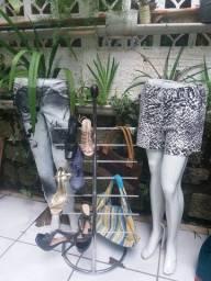 Expositor de  calçados e bolsas
