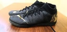 Chuteira Nike Mercurial (40) preto/dourado