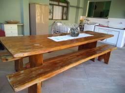 Mesa Rústica com dois bancos