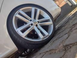 Vendo rodas Amarok aro 20 furação 5x112 pneus novos medida 225/30