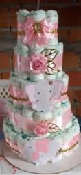 Vendo esse bolo  de fralda de menina