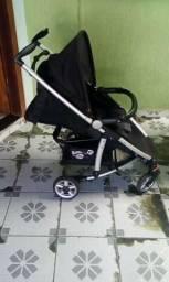 Carrinho de Bebê importado 200,00