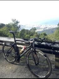 Pinarello Dogma F8 speed carbono bike