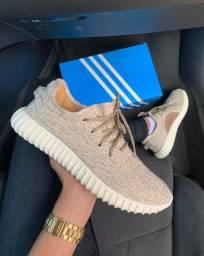 Adidas yeezy 700 nacional