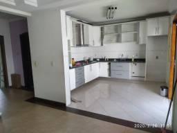 Lindo Sobrado/ 275 m²/ 4 Dorm./ Suíte/ Edícula/ Espaço Gourmet/ Av. Itavuvu
