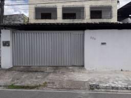 Alugo casa em Rio Doce