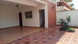 Ótima Casa assobradada na Vila Jardini/ 200 m²/ 3 Dorm./ Suíte/ Edícula/ 6 Vagas