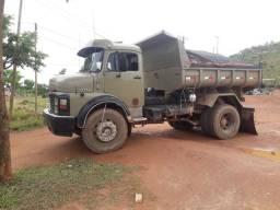 Vendo ou troco em caminhão truk caçamba