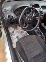 Peugeot 2004