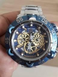 Vendo relógio invicta semi novo,pouco usado,aceito oferta pra sair rapido !