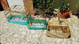 3 Gaiolas para canarios, etc