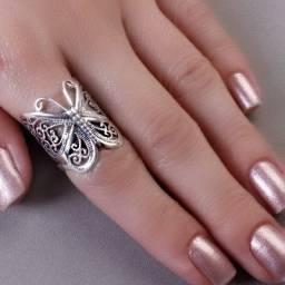 Jóias em prata e ouro e semi-jóias