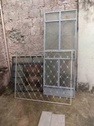 Portas ,janelas, grade e armário de cozinha, 85,00