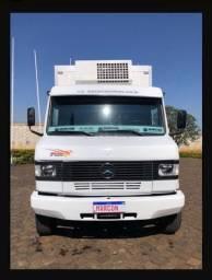 Mercedes Benz 710 Plus/Parcelado