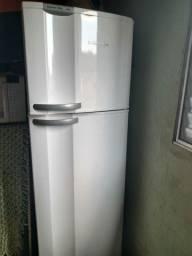 Geladeira Frost free Electrolux