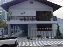 Vendo Magnifica Casa Em Balneário Camboriú quadra mar