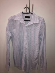 Camisa social listrada azul e branca