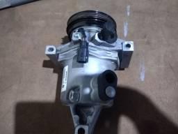Compressor ar condicionado Renault Sandero