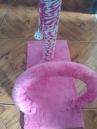 Vendo aranhador para gatos rosa