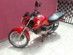 Vendo uma moto Fan modelo 2014