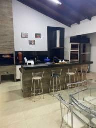 Casa de 3 quartos com suíte e área de lazer( Jardim Itália)