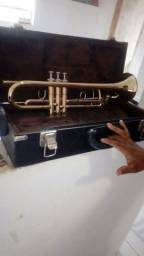 Trompete Semi Novo com kaiser de luxo