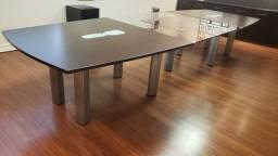 Mesa para reuniões