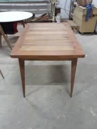 Mesa nova de cedro