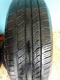 Vendo 5 pneus: 4 seminovos, 1 novo.