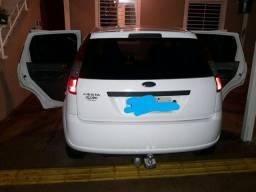 Carro fiesta Ford cor Branca