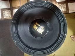 Vendo dois altofalantes target BASS 4.5k de 15 polegadas em prefeito estado